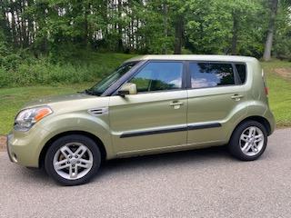 green Kia Soul car